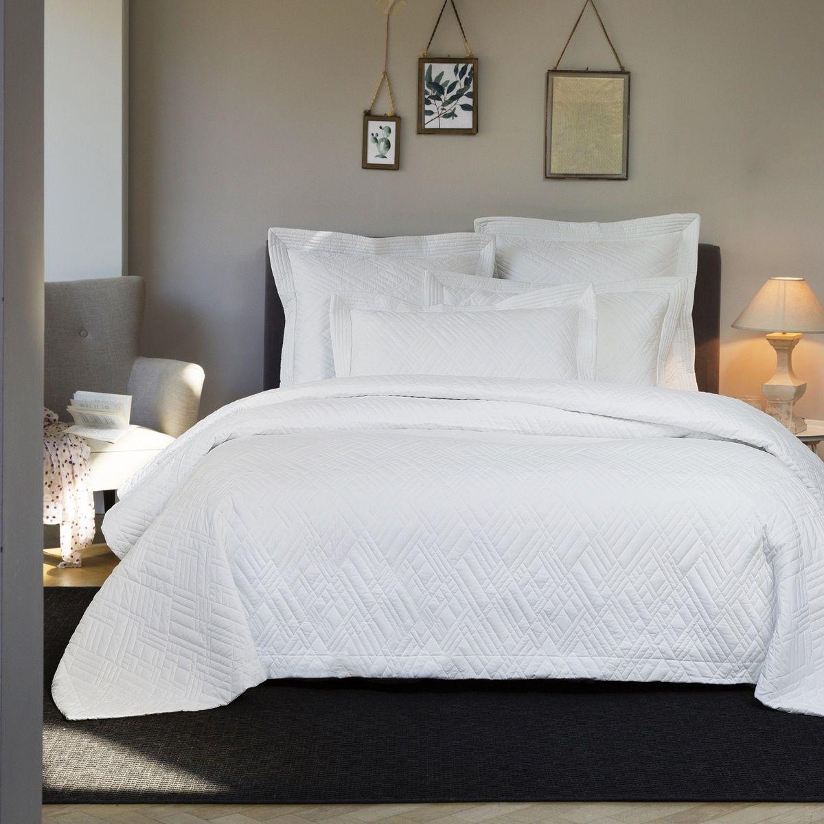 linge de lit blanc