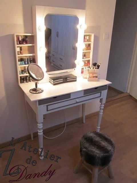 coiffeuse avec miroir lumineux